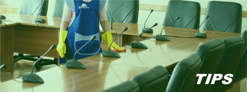 schoonmaak poetsen kantoor schoonmaakbedrijf TIPS